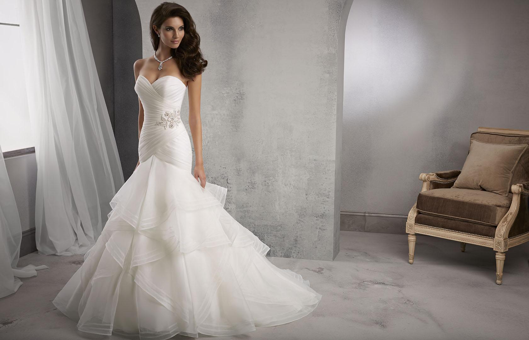 Esküvői ruha szalon 412c11307b