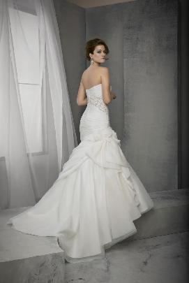 5bd9937ec1 Esküvői ruha szalon, esküvői ruha kölcsönzés, esküvői ruhák ...